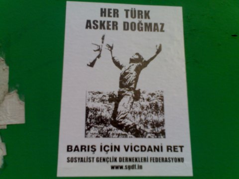 http://anticopyrighttr.files.wordpress.com/2010/03/her-turk-asker-dogmaz-baris-icin-vicdani-ret.jpg?resize=480%2C360